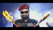 Jung Hai Humri Aatankwad Se - Gurmeet Ram Rahim Singh chante la beauté des armes