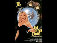 Le Vampire de l'Espace (Not of this Earth - 1988)  -VF-